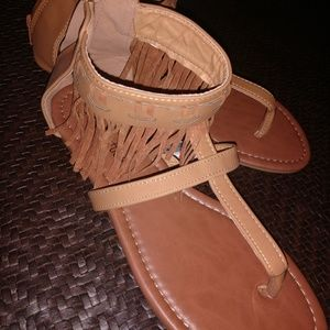 Chatties moccasin Fringe style sandals bnwt!
